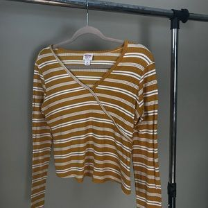 Yellow stripped mossimo top